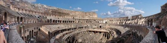 Panorama_Kolosseum_in_Rom_(komprimiert).jpg